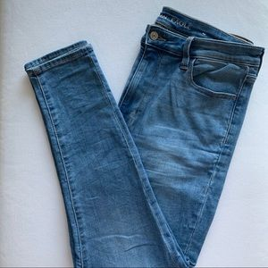 American Eagle | Super High Waisted Jeans | 14 S